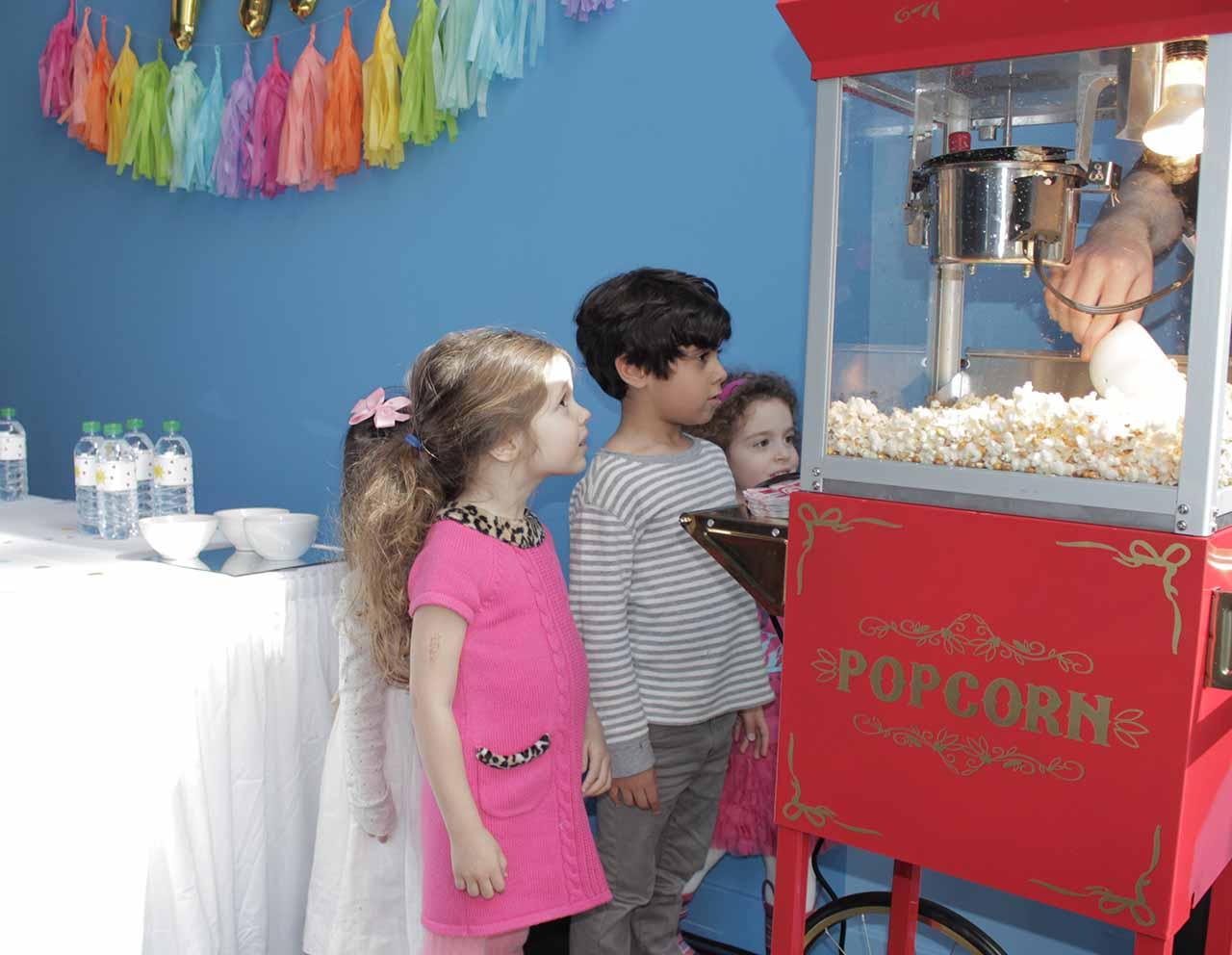 Gourmandises pop corn - Village d'animations et spectacles pour vos festivités en Hautes Pyrénées (65), Gers (32), Landes (40) et Pyrénées-Atlantiques (64)