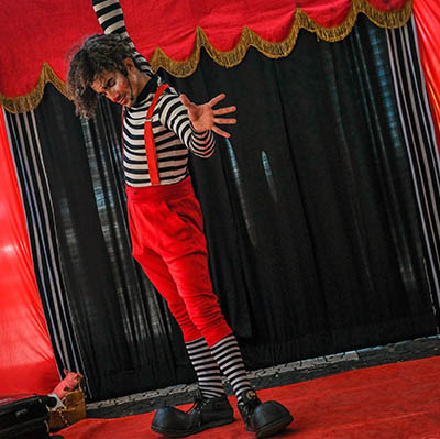 Spectacle clown pour enfants pour vos festivités en Hautes Pyrénées (65), Gers (32), Landes (40) et Pyrénées-Atlantiques (64)