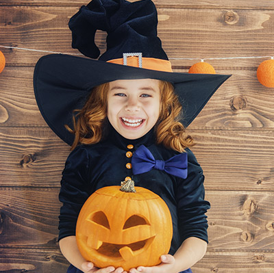 Atelier pour votre évènement d'Halloween en Hautes Pyrénées (65), Gers (32), Landes (40), Haute Garonne (31) et Pyrénées-Atlantiques (64)