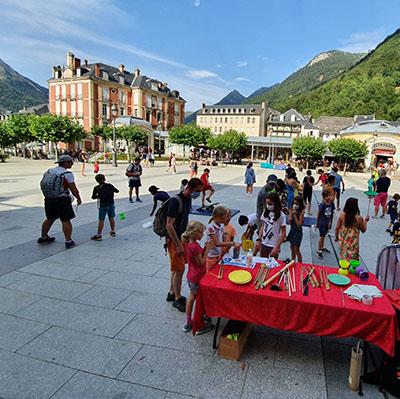 Animation cirque pour enfants et ateliers pour vos festivités en Hautes Pyrénées - (65), Gers (32), Landes (40) et Pyrénées-Atlantiques (64)