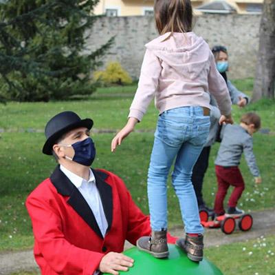 Intervenant cirque pour enfants et ateliers pour vos festivités en Hautes Pyrénées (65), Gers (32), Landes (40) et Pyrénées-Atlantiques (64)
